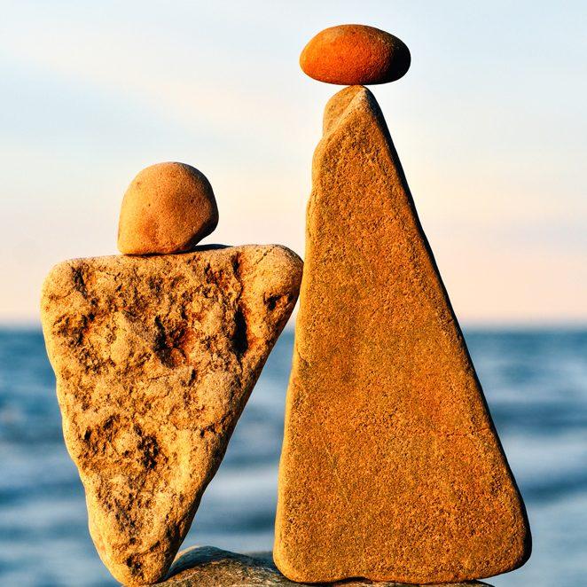 Steinfiguren als Symbol zur Körpertherapie